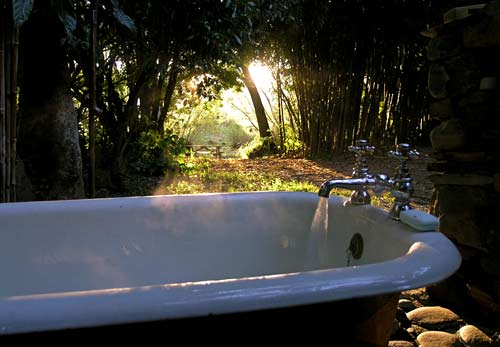 Enjoy a bath under the New Zealand stars