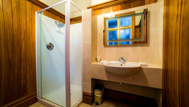The Grand Bathroom, luxury accommodation, Golden Bay